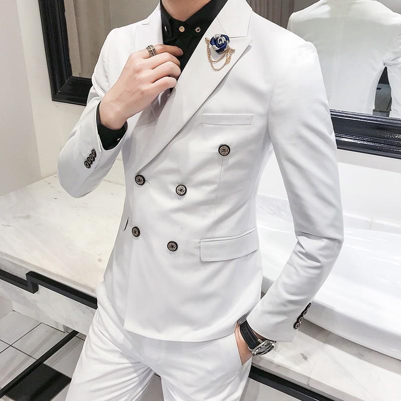 Comment un costume devrait-il être ajusté? | Guide des coupes de costumes pour hommes post thumbnail image