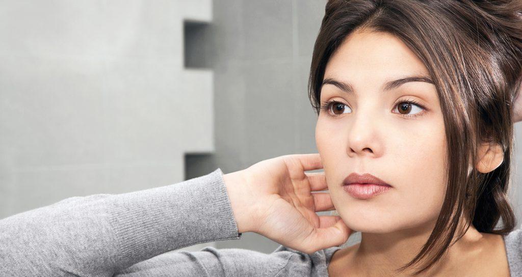 5 façons de réduire l'apparence des cicatrices d'acné post thumbnail image