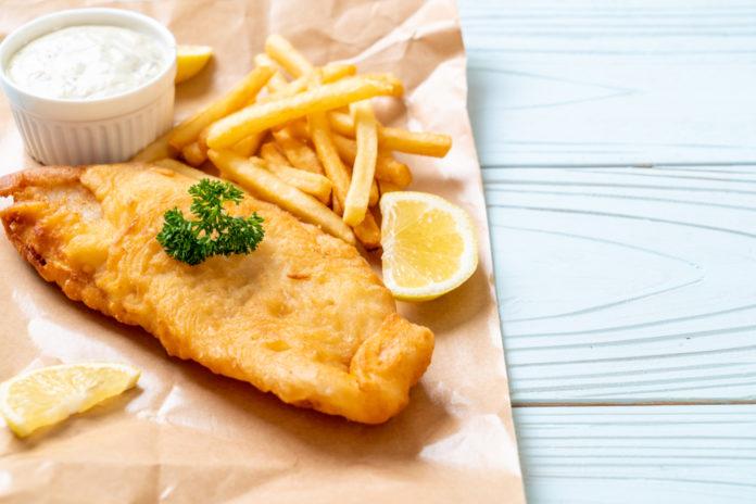 Comment le poisson et les frites sont devenus un aliment de base du dîner post thumbnail image