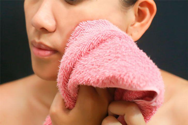 L'épilation au laser est-elle mauvaise pour les taches de rousseur ou les grains de beauté ? post thumbnail image
